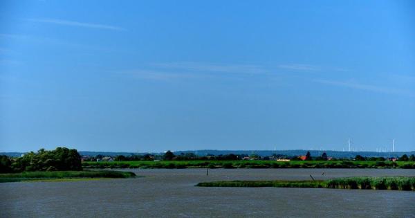 13 Am Seetag 5 legten sich die Wogen (oder auch nicht); es folgte eine ungewöhnliche Elbe-Kreuzfahrt