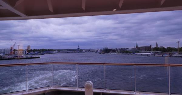 """Mutti: """"Endlich - das Warten hat ein Ende. In Kiel wartet die Luna auf uns ... und dann geht es ein paar Fjorde schauen vor Oslo!"""""""