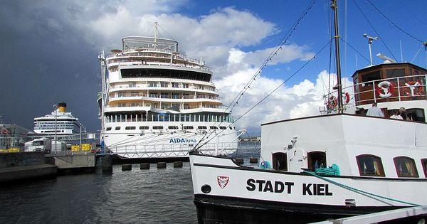 Logbuch IX: Unterwegs in Kiel ☼ Abschiedsstimmung liegt in der Luft ☼ Die Traumschiffe schicken sich an, Kiel zu verlassen ☼
