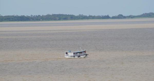 """Wasser ist nicht gleich Wasser im Amazonas ... """"Milchkaffee"""" trifft auf Kaltwasser ... zwei Flusstage, die der Entspannung dienen"""