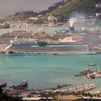 Die saubere Luna und die qualmende Norwegian Encore in Tortola