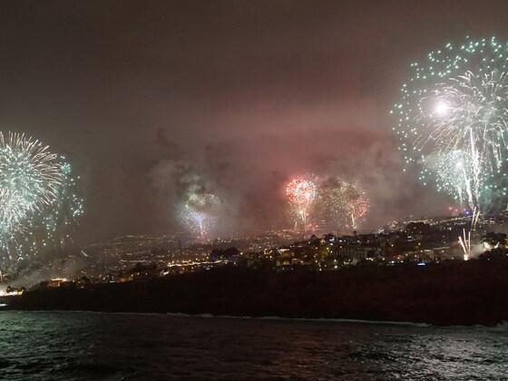 Silvesterfeuerwerk vor Madeira 01.01.17