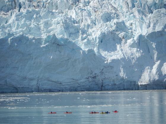 vor dem Gletscher in der Glacier Bay von Alaska