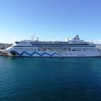 Die Aidaaura im Hafen von Palma de Mallorca