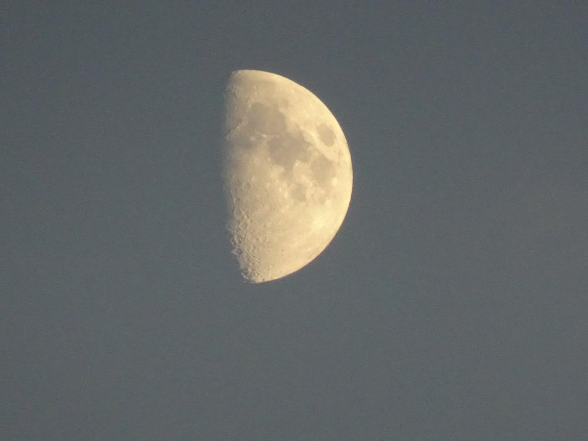 32_Seetag-2 - Mond über dem Meer