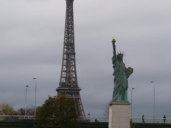 """Ausflug """"Paris komplett"""" - Bootsfahrt inkl. Essen auf der Seine :)  24.10.17"""