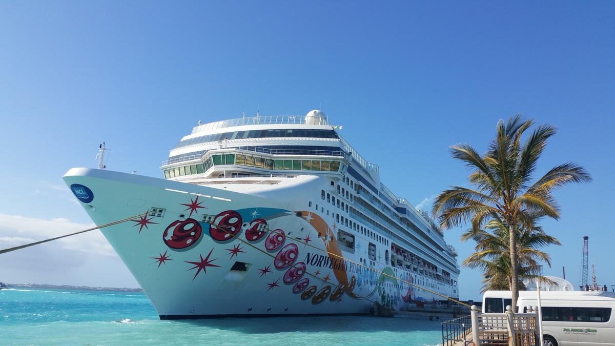 NCL Pearl Bermudas / Hamilton
