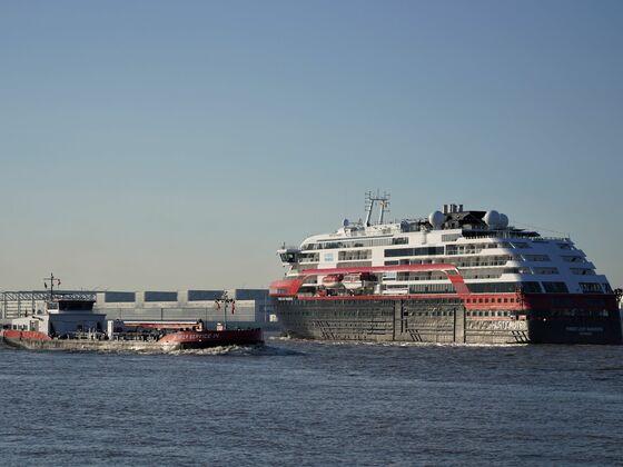 MS Fridtjof Nansen: Begegnung mit einem Bunkerschiff