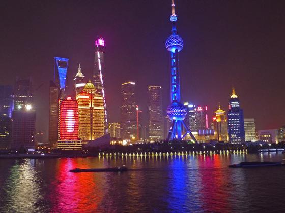 Shanghai im Lichtermodus