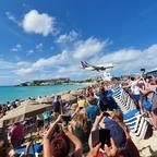 Überflieger in Maho-Beach