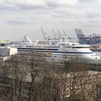 AIDAAura am Samstag in Hamburg....kurz vor ihrer nächsten Tour in den hohen Norden