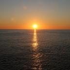 Sommenuntergand auf See zwischen der Dom. Rep. und Jamaika