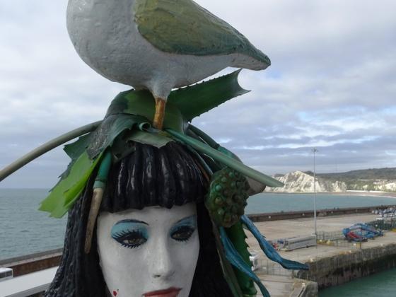 """Die """"Schöne hat einen Vogel  :o) , AIDAvita, im Hafen von Dover"""