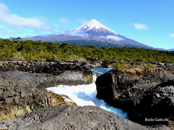 Petrohue Fälle und Osorno Vulkan