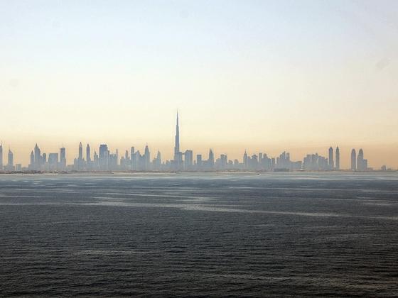 Die Skyline von Dubai im Morgendunst
