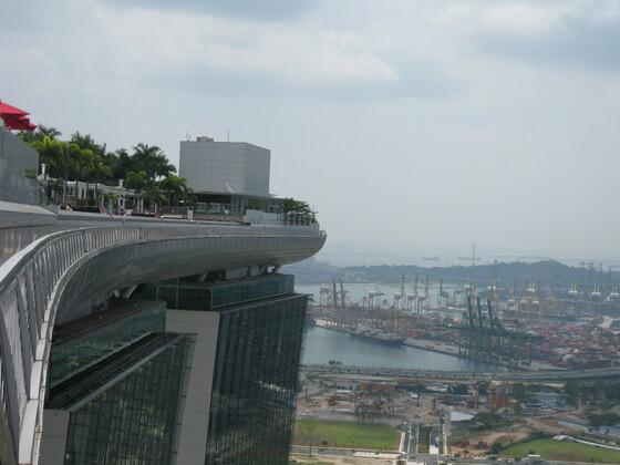 Singapur Impressions - Das Brett auf dem Hotel