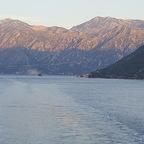 Einfahrt durch die Fjorde von Kotor Montenegro