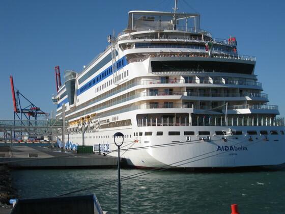 Malaga - Die bella im Hafen