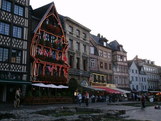 Place du Vieux-Marche  ( Rouen )