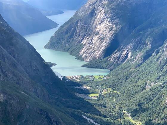 Mit Wasserflugzeug über dem Eidfjord