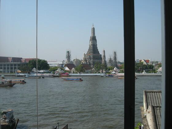 Bangkok Impressions - Blick auf Wat Arun aus meinem Hotelzimmer