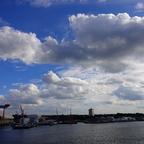 Blick auf den Kieler Hafen von der AIDABELLA