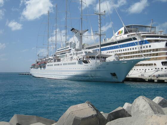 Karibische Momente - St. Maarten - Die Windsurf an der Seite der mar