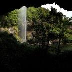 Tamarid Falls, Weg hinter einem Wasserfall