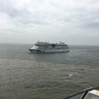 Schwesterntreffen Luna trifft Sol beim Auslaufen aus IJmuiden 24.4.18