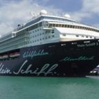 Mein Schiff 2 (Herz) im August 2018 in Katakolon, Griechenland