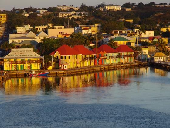 TUI Mein Schiff 1  --  Abschied von Antigua