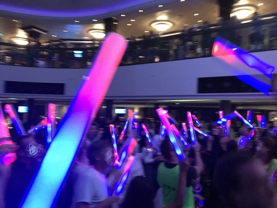 glow party im Atrium